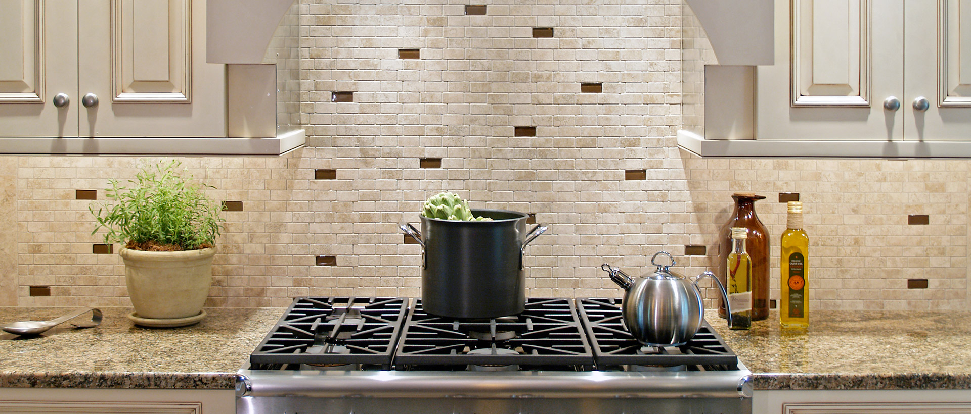 Kitchen ceramic tile backsplash